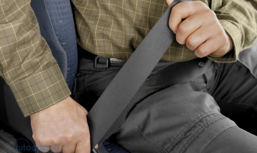 坐在後座比較安全? IIHS實驗結果顛覆你的認知